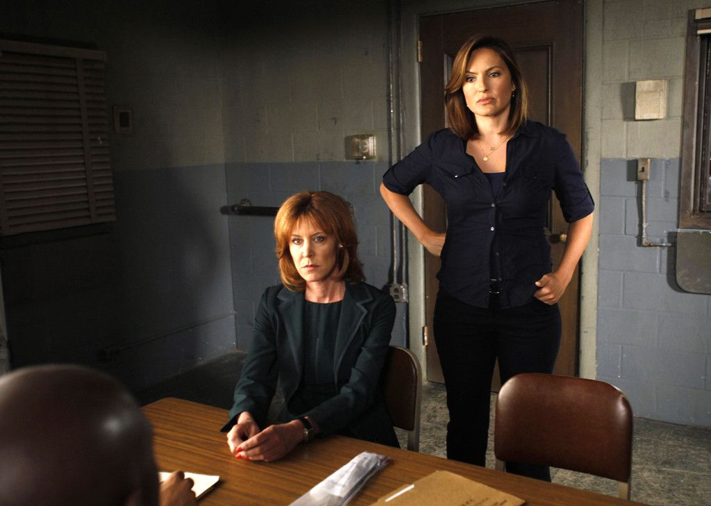 Season 11 From Mariska Hargitay S Law And Order Svu Hair Through The Years Law And Order Special Victims Unit Law And Order Special Victims Unit