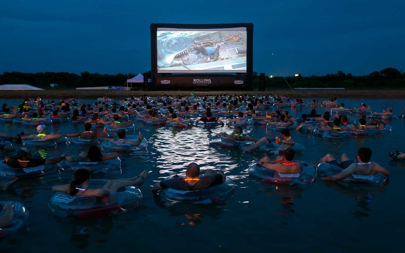 The Best Drive In Theaters In The U S Dive In Movie Drive In Theater Alamo Drafthouse