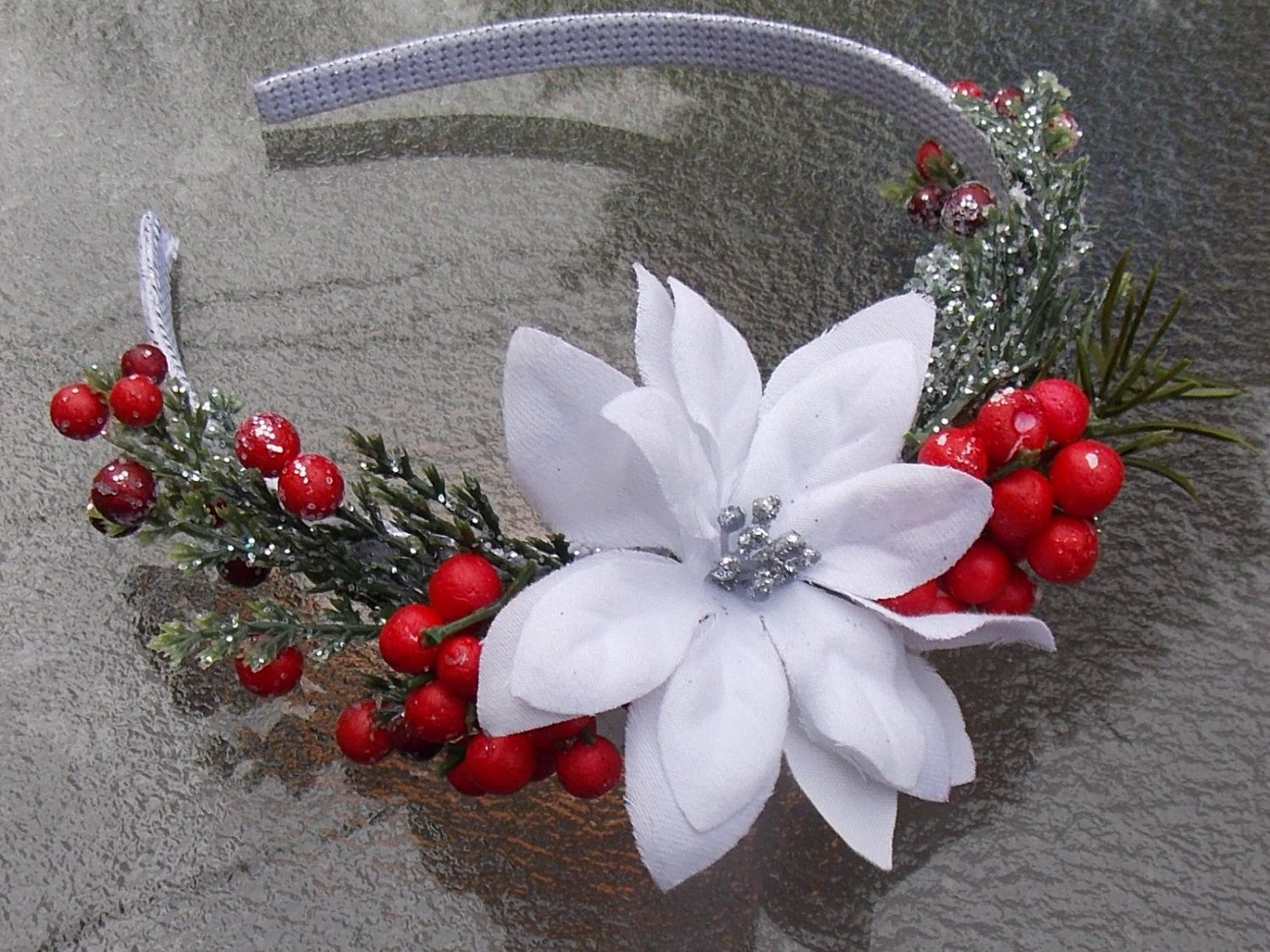 White Poinsettia Flower Headband With Evergreen Sprigs And Red Berries Poinsettia Holiday Headband Christmas Flower Fascinator A11 Holiday Headbands Diy Christmas Sweater Christmas Headband Diy