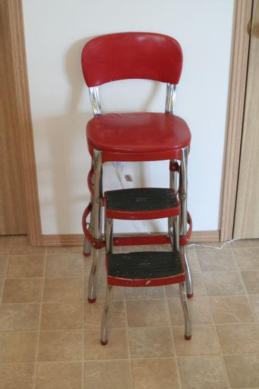 I love this red stool  ...memories