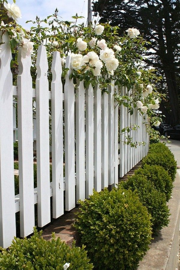 Beautiful Ideas For A Garden Fence Made Of Wood In White Cloture Blanche Cloture Bois Cloture Jardin