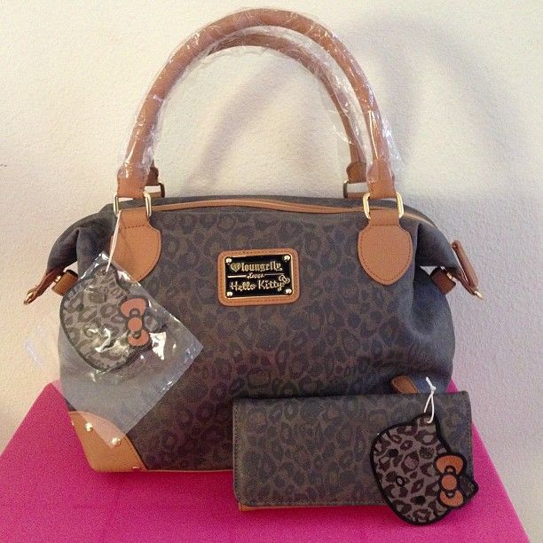CHEETAH PRINT HELLO KITTY PURSE   WALLET  WHAT ! I NEED THIS SET ... 62457704f2ca3