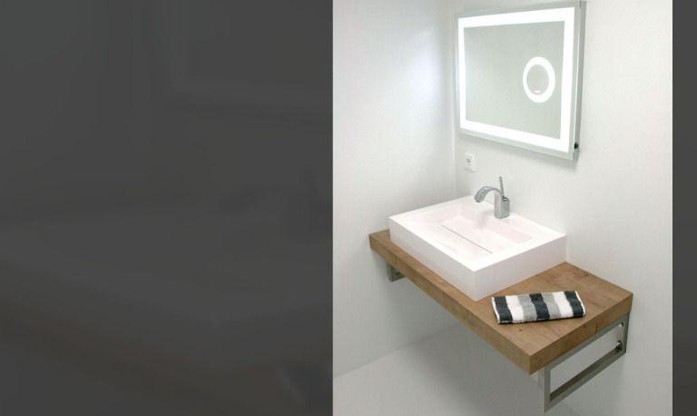 Gastebad Ohne Fliesen Badezimmerspiegel Waschtischkonsole Und