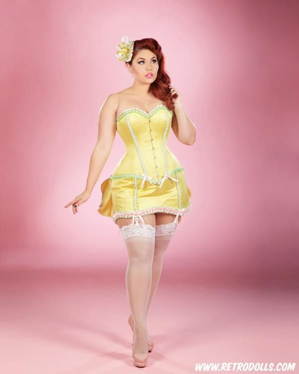 Vintage Curvy Corset Pinup Girl Picture