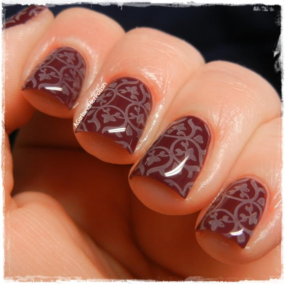 Beautiful, detailed nail design, would be great for a wedding, and ...