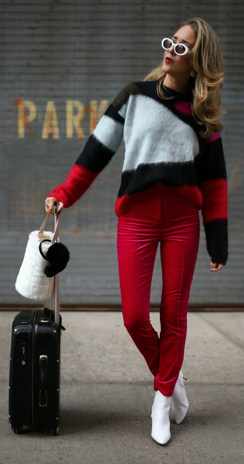 2e650deccfd9b 12 Stylish Ski Trip Essentials // Black red white color block sweater, hot  pink