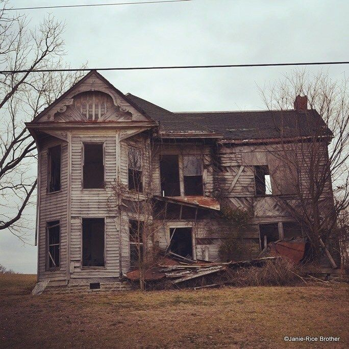 Ghosts On The Landscape: The Allure Of Abandoned Houses