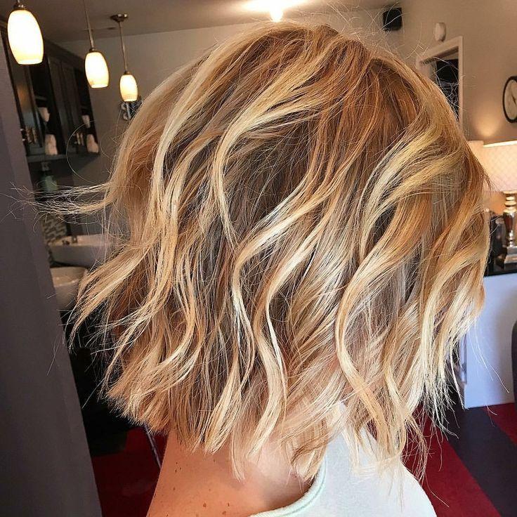 Strand Wellen Stil Trendfrisur Stil Strand Trendfrisur Wellen Frisuren Kurze Haare Stylen Haarschnitt Mittel Trendfrisuren