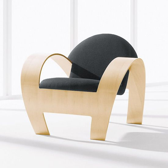 The Niilo Chair, with its dramatic curves and contemporary - design schaukelstuhl beton paulsberg