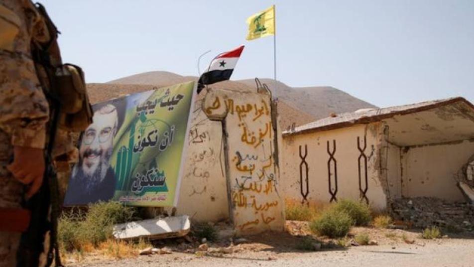 رجل أعمال سوري يفضح تخفي ميليشيات إيران و حزب الله وسط المدنيين السوريين فى المناطق السكنية Outdoor Decor Natural Landmarks Outdoor