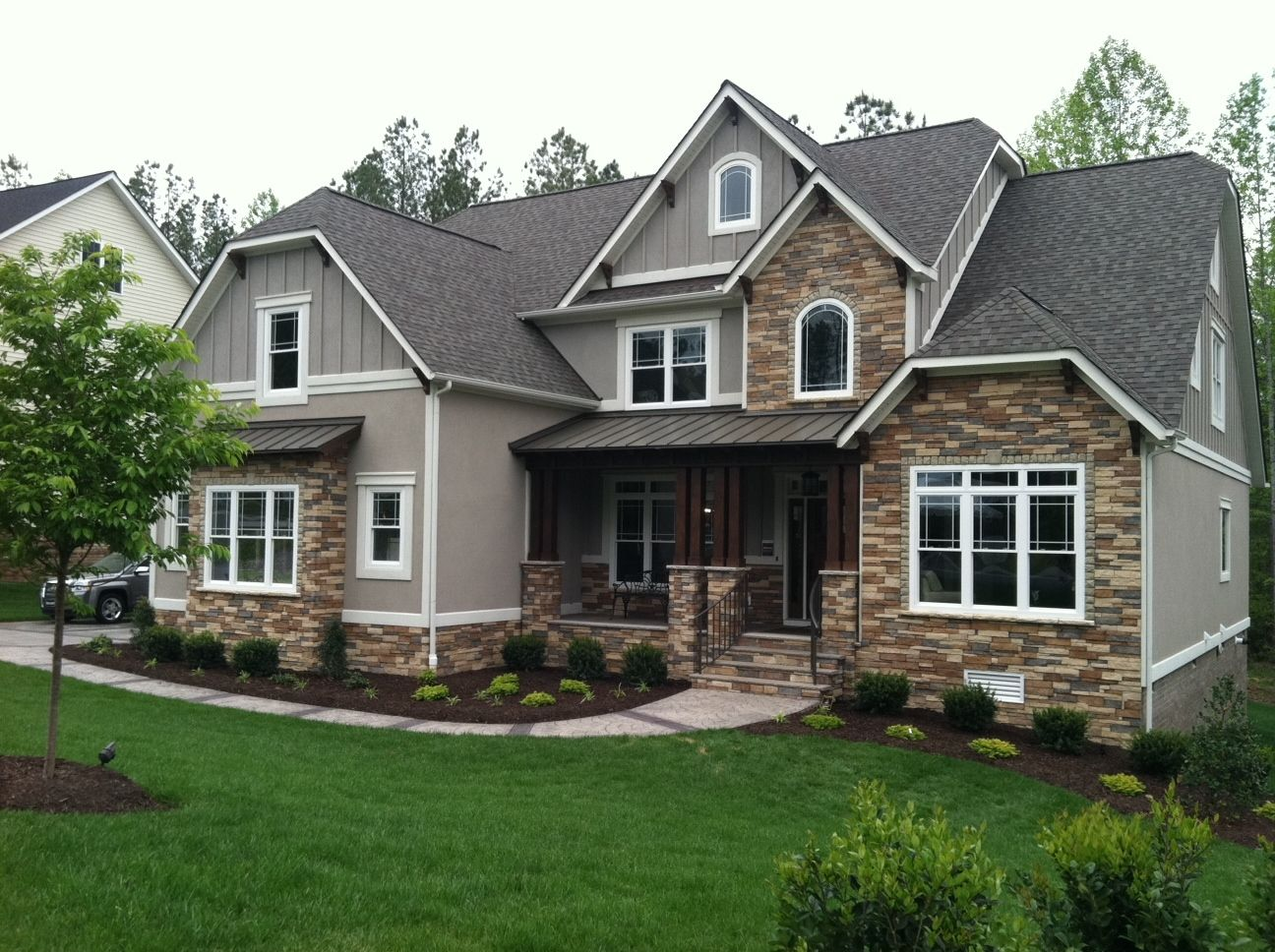17 best images about house exterior stone on pinterest craftsman blue houses and stone columns - Exterior Siding Design Ideas
