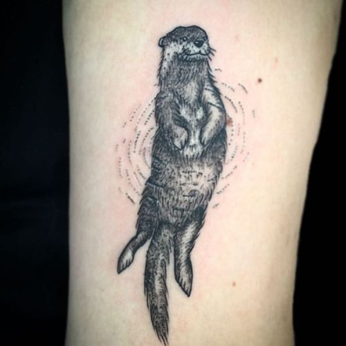 Inked up otter