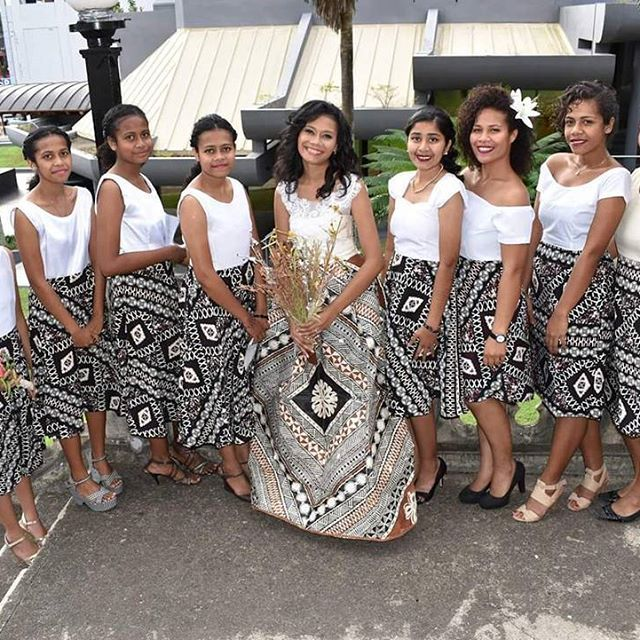 Loving These Ladies In Their Fijian Masi Outfits Polynesian