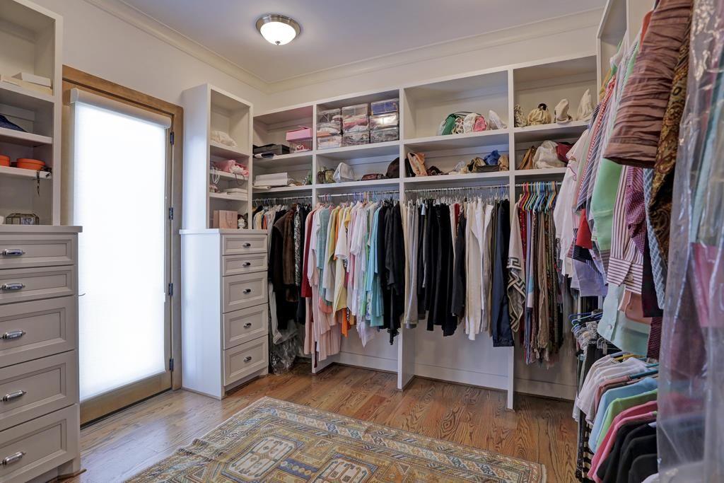 2101 Dickey Pl Houston Tx 77019 Photo Oversized Master Closet With