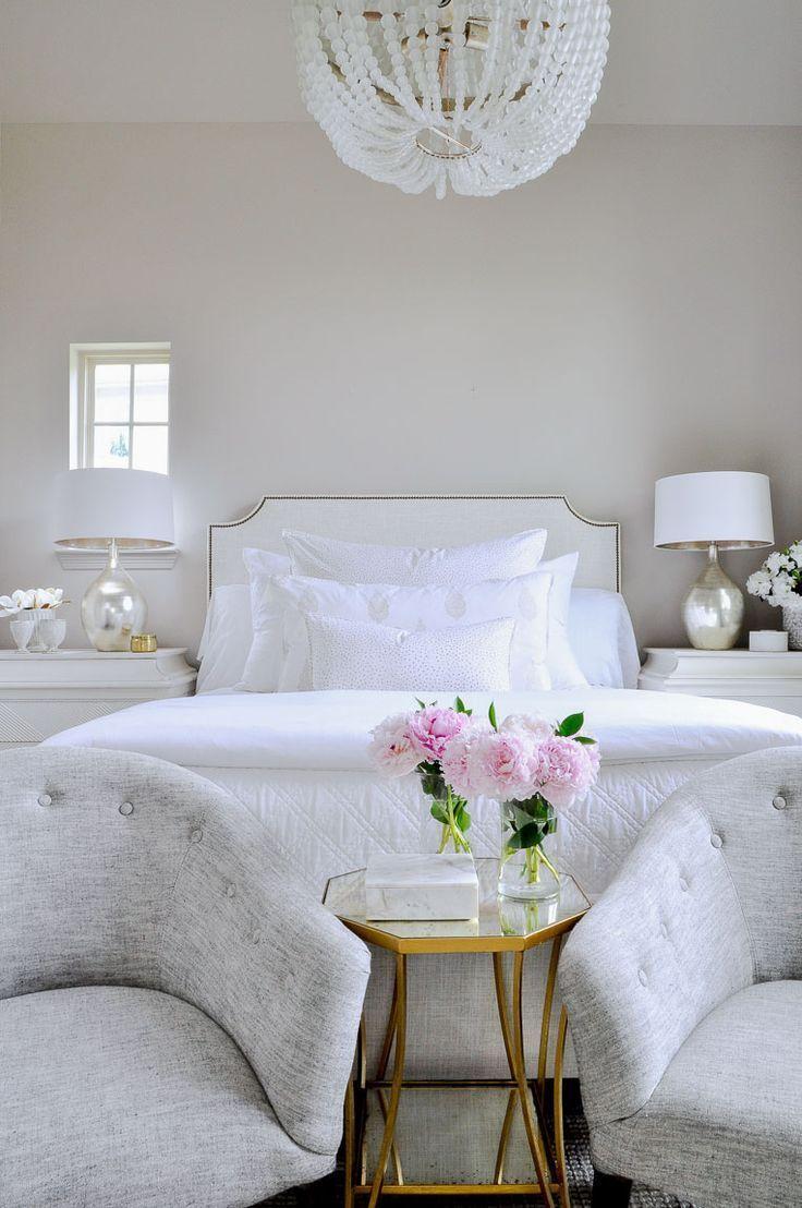 Bright White Bedroom: Beautiful Bright White Bedroom