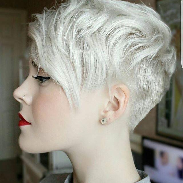Coupe courte et couleur de cheveux 2018