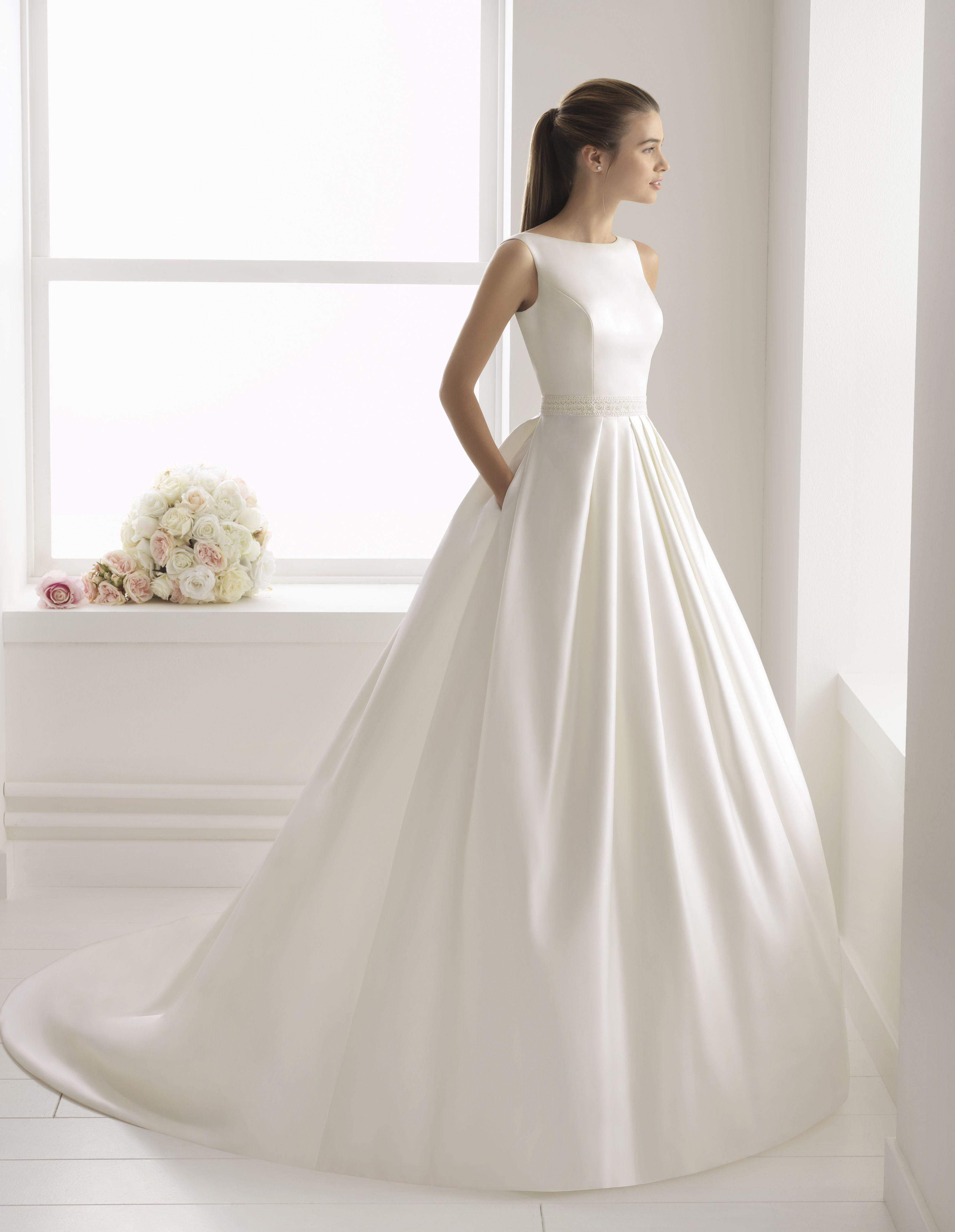 b0b0f47bf18 Robe Bliss  collection 2018  airebarcelona !  robesdemariee  robes  wedding   weddingdress  dress  bridal  mariée  mariage