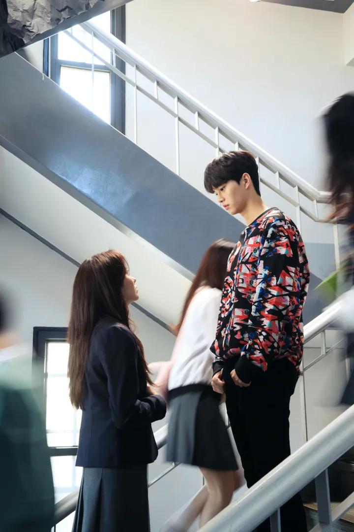 First Stills of Kim So Hyun and Song Kang in Netflix High