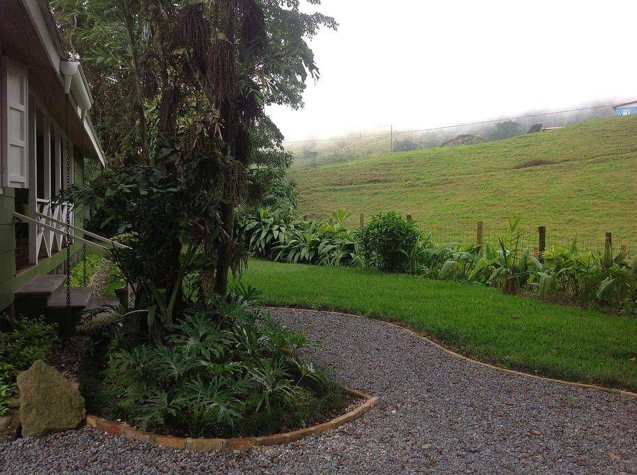 Échale un vistazo a este increíble alojamiento de Airbnb: Los Titos Coffee Farm  - Casas en alquiler en Turrialba