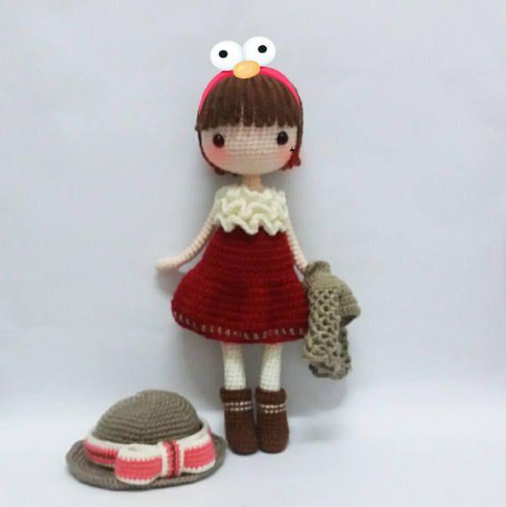 Crochet Amigurumi Doll Sam (Part 1) - Legs & Boots - YouTube ... | 571x570