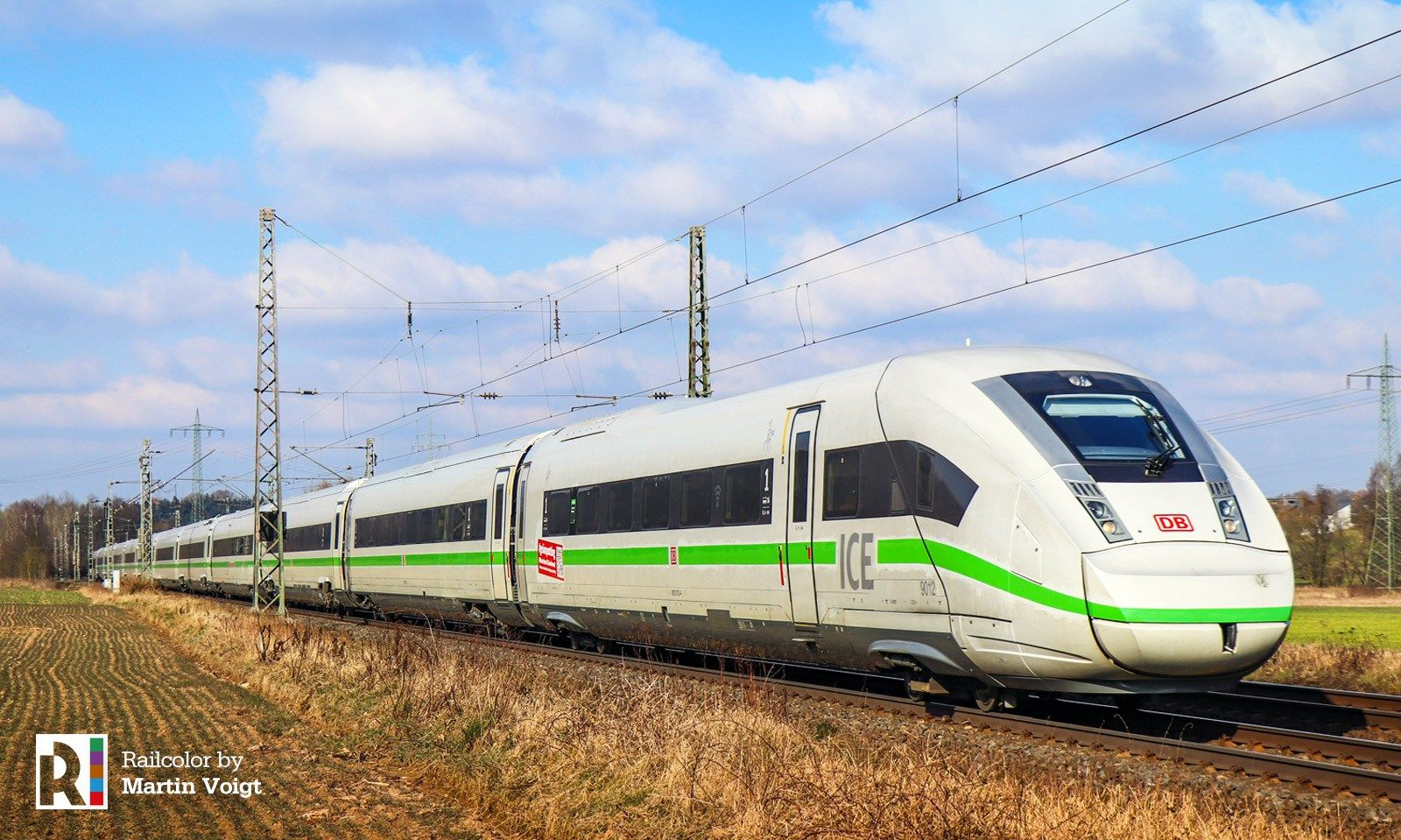 De Ice Trains Turn Green Updated Train Electric Train Rail Transport