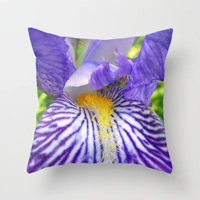 Purple Bearded Iris Monsignor Close Up Throw Pillow By Bluedarkat Lem 20 00 Iris Close Up Art Bearded Iris