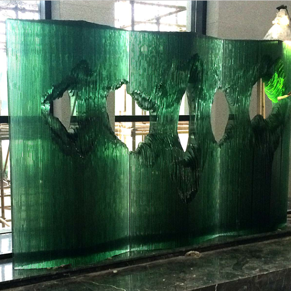 Pubilc installation art, make of float glass. We support any shape you like. If you have any style going to be made, welcome to get in touch with me via sales1@sinoglassart.com