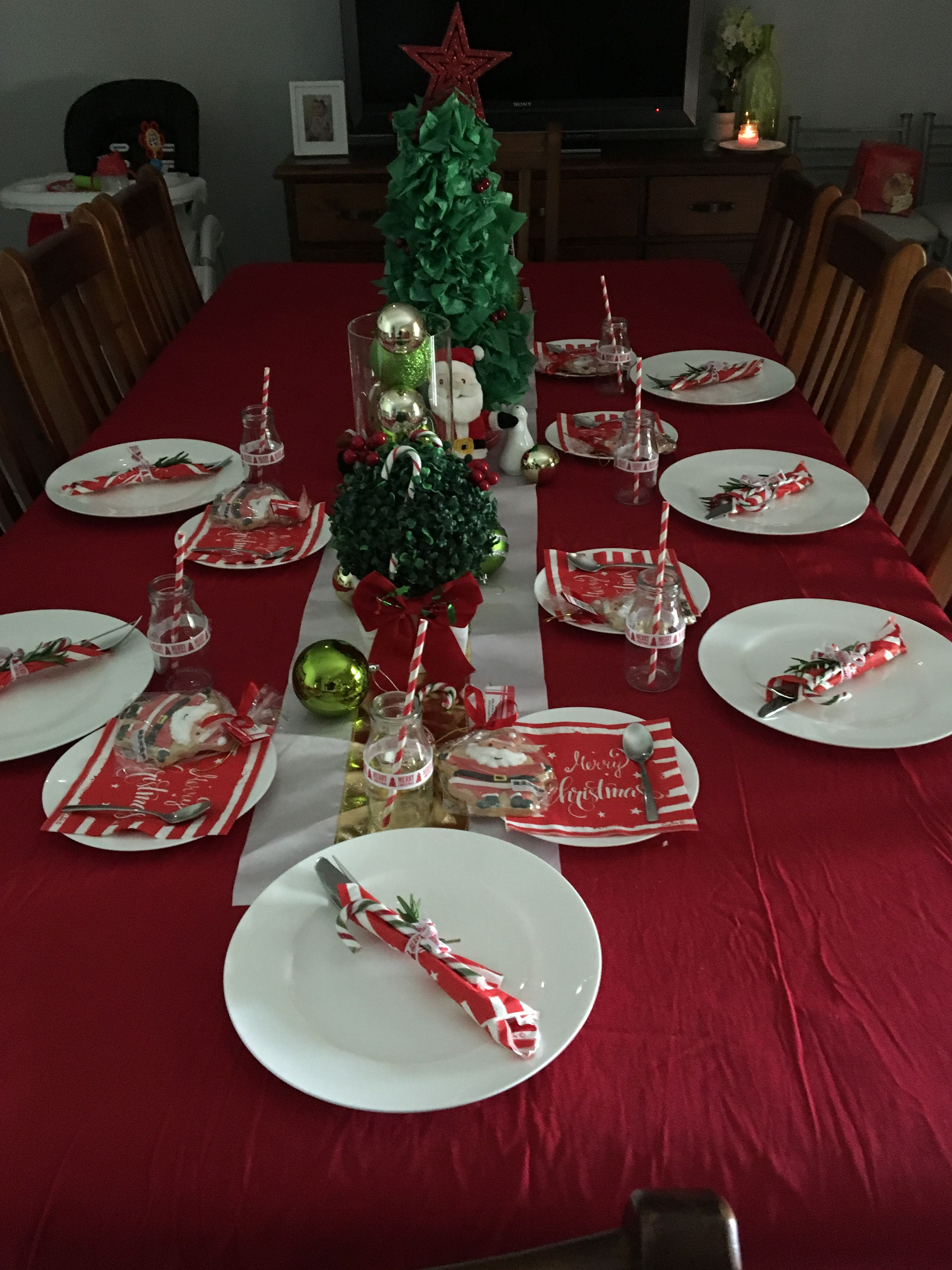 Table Setting Christmas Red White Green And Gold Christmas Table Settings Christmas Table Table Settings