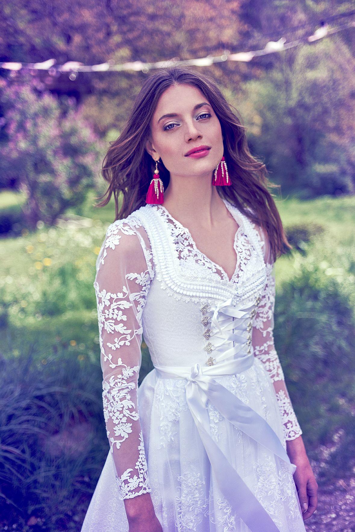 NEU Weißes Dirndl aus Jacquardseide | Wedding Dresses | Pinterest ...