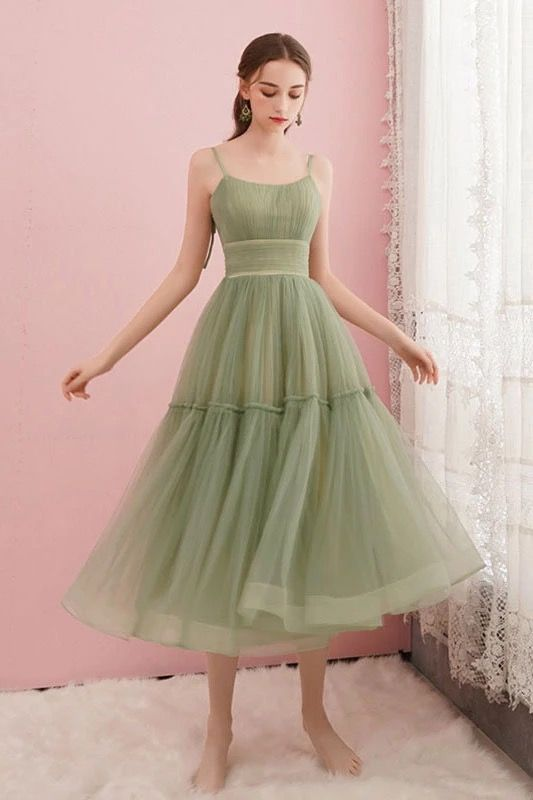 Simple Green Tulle Spaghetti Straps Mid Length Homecoming Dress from Girlsprom