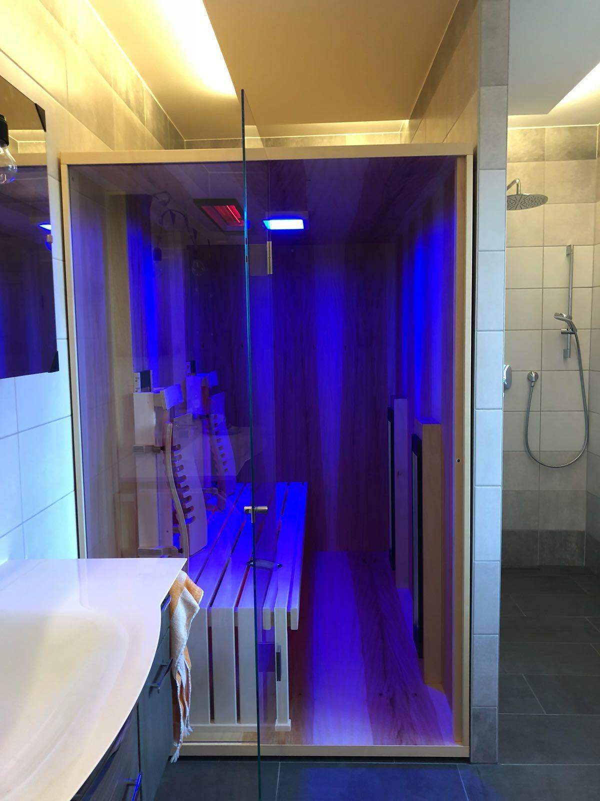 Einbau einer Infrarotkabine aus Kernahorn in einem Badezimmer By ...