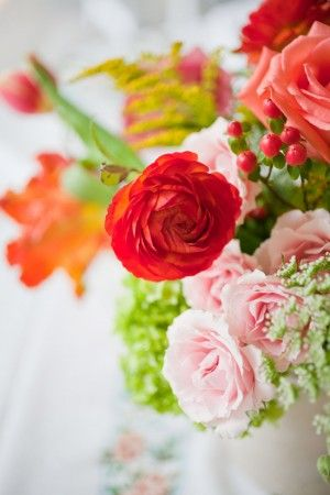 Pink-and-Red-Wedding-Flowers | photography by http://www.kristynhogan.com/