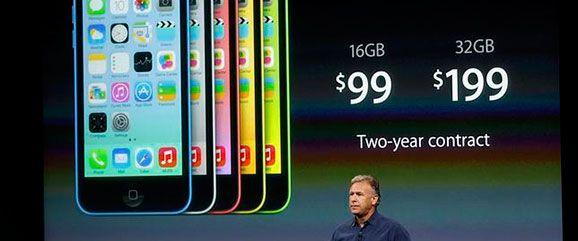 Tim Cook, director ejecutivo de la compañía tecnológica Apple, presentó este martes 10 de septiembre de 2013 los nuevos productos de la marca de culto, entre ellos el esperado iPhone de precio accesible (menos de 100 dólares en los EE. UU.) y el nuevo iPhone 5S. En una multitudinaria y mediática presentación, como acostumbra esta empresa cuyo logo es la …