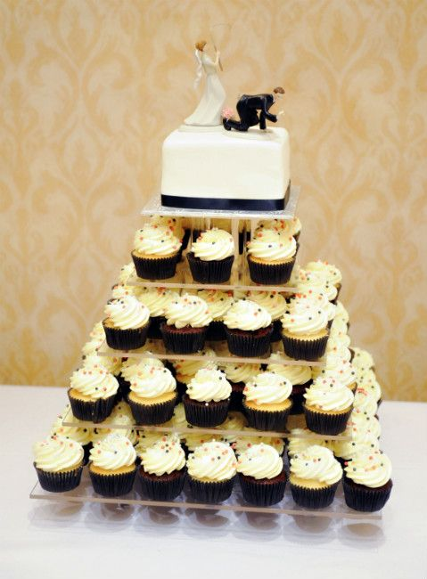 A Classic Black, White and Red Wedding in Dorchester, Ontario ...