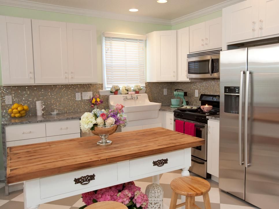 Pictures of kitchen cabinets ideas inspiration from for Country kitchen inspiration