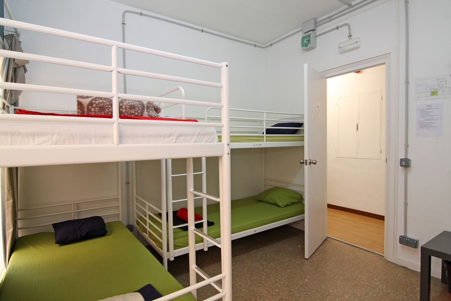 6 Bed Room Hostel Graciacityhostel Barcelona City Home