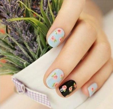 Unha floral para o verão http://vilamulher.terra.com.br/beleza/corpo/unhas-decoradas-para-o-verao-2014-2-1-13-1356.html #summer #nails #unhas