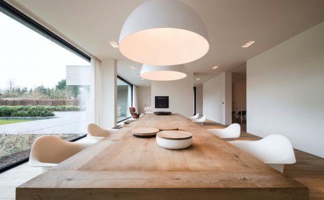 Luxe houten eettafel met design stoelen   eetkamer design   dining ...