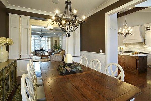 Wandfarben Kombinieren Schönes Esszimmer Moderner Kronleuchter Und Großer  Massivtisch Aus Holz