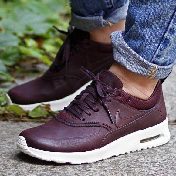 jeu pas cher livraison rapide Nike Air Max Thea Chaussures En Cuir Premium Bourgogne Couleur le magasin magasin d'usine prix d'usine 2mSQyO