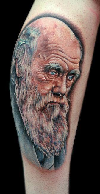 Tatuagem de Charles Darwin