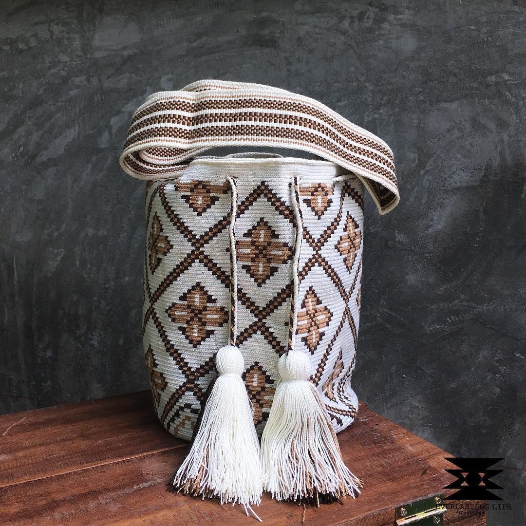 5 отметок «Нравится», 1 комментариев — Wayuu Bag , EVERLASTINGLIFE.TH (@everlastinglife.th) в Instagram: «IN STOCK พร้อมส่ง Premium High Quality : Wayuu Bag Large Size in One thread งานเทพ การเริศ งานปัง…»