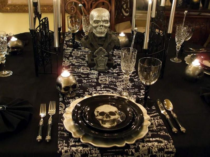Halloween Tablescape with a Ghostly Centerpiece   Halloween table ...