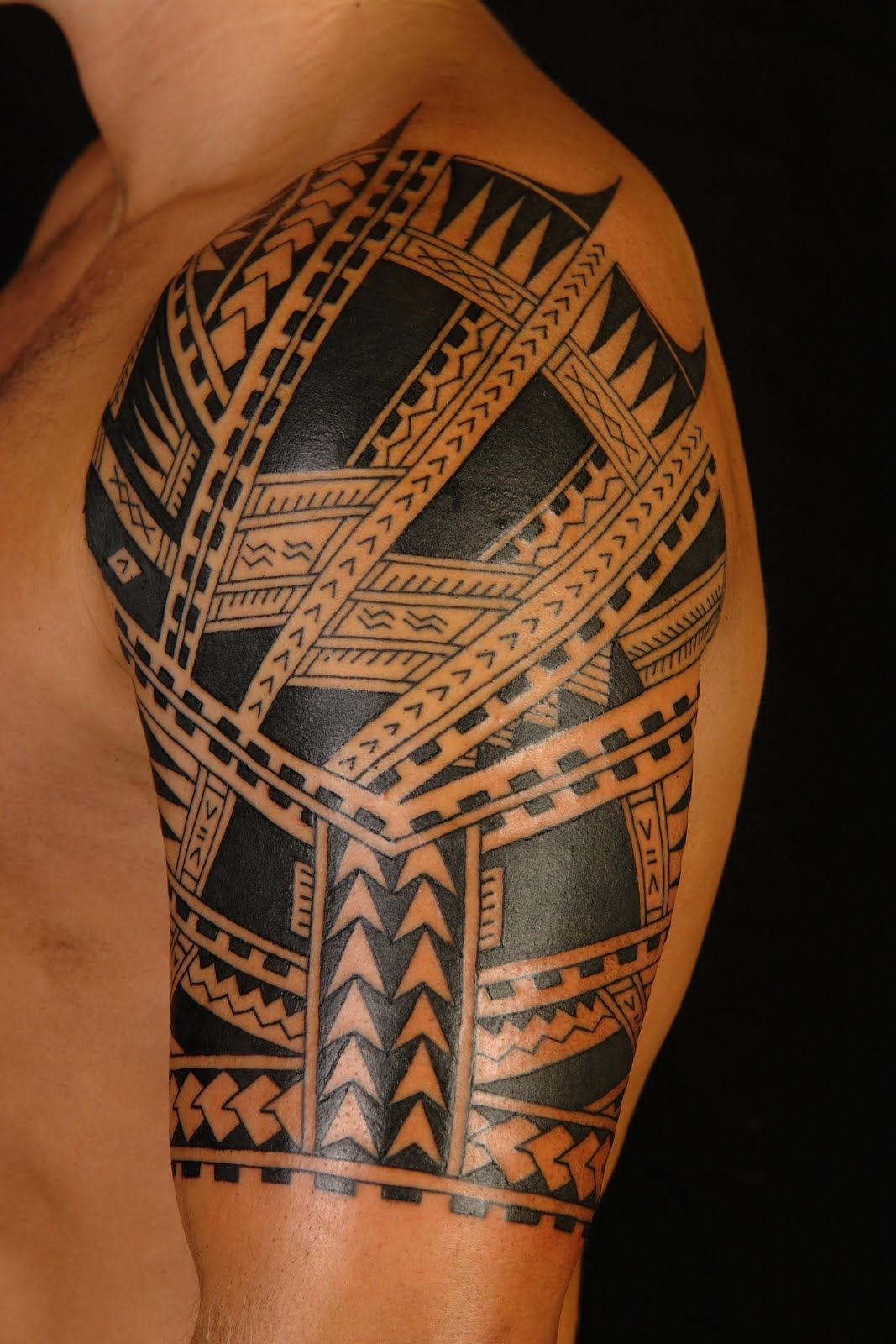 Polynesian tattoo on arm and chest - Samoan Never Copy From Their Skin Its Significant To Their Lives And Culture