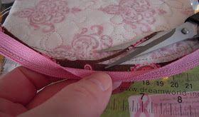 Sweet small purse, tutorial in English:   (ønsker dudenne oppskriftenpå norsk gå HIT og  HIT    og for å få fine hjørner følger du link...