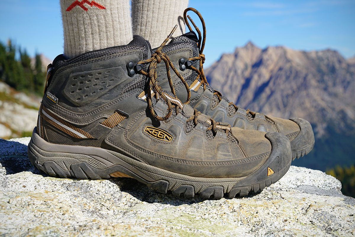 Boots, Best hiking boots, Hiking shoes mens