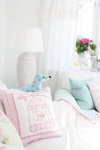 Summer pastels in the livingroom