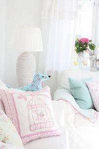 Summer pastels in the livingroom