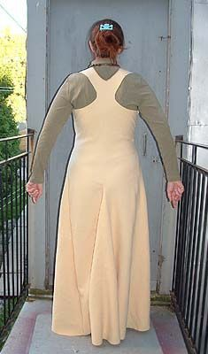 Moy gown Back. I have tried too do this pattern once, and only once. Not for the faint of heart