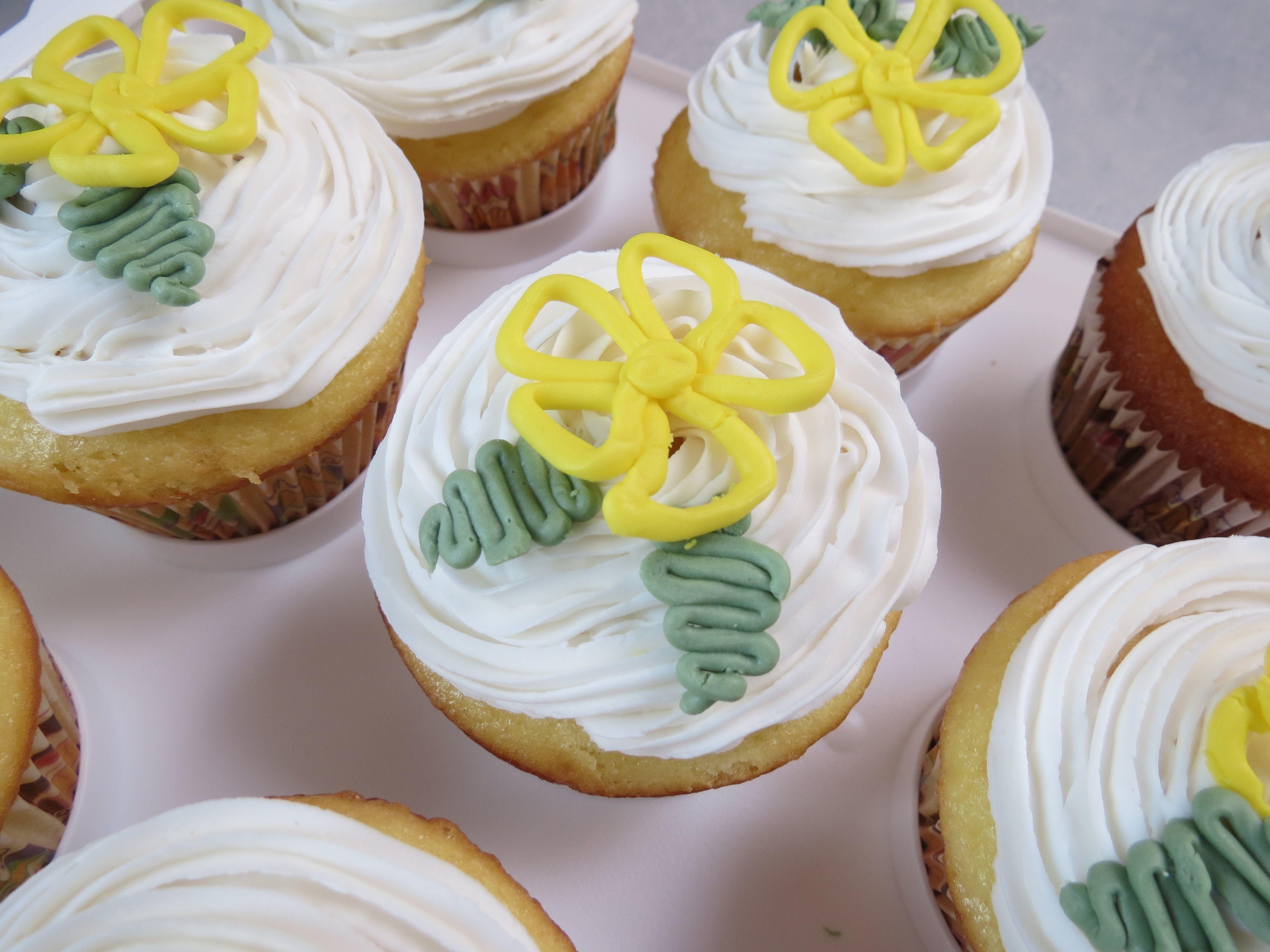 Lemon flavored cupcakes lemon flavored cupcakes